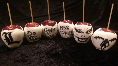 Who loves apples? Ryuk loves apples! Is it true? Mm-hmmm..... I do, I do, I do-oooo!